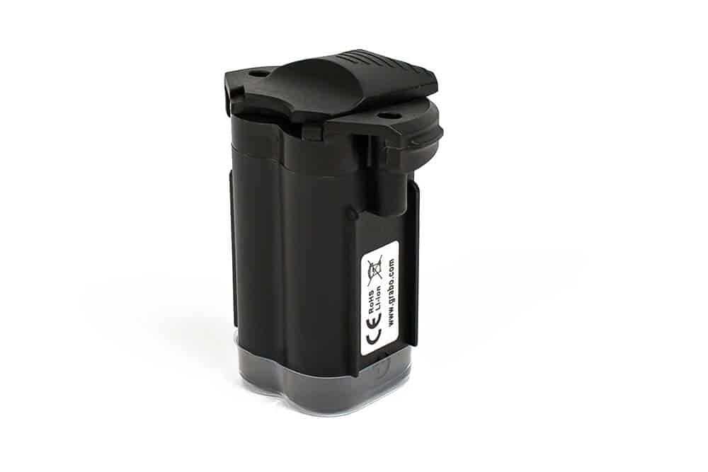 Vacuum cup for lifting battery